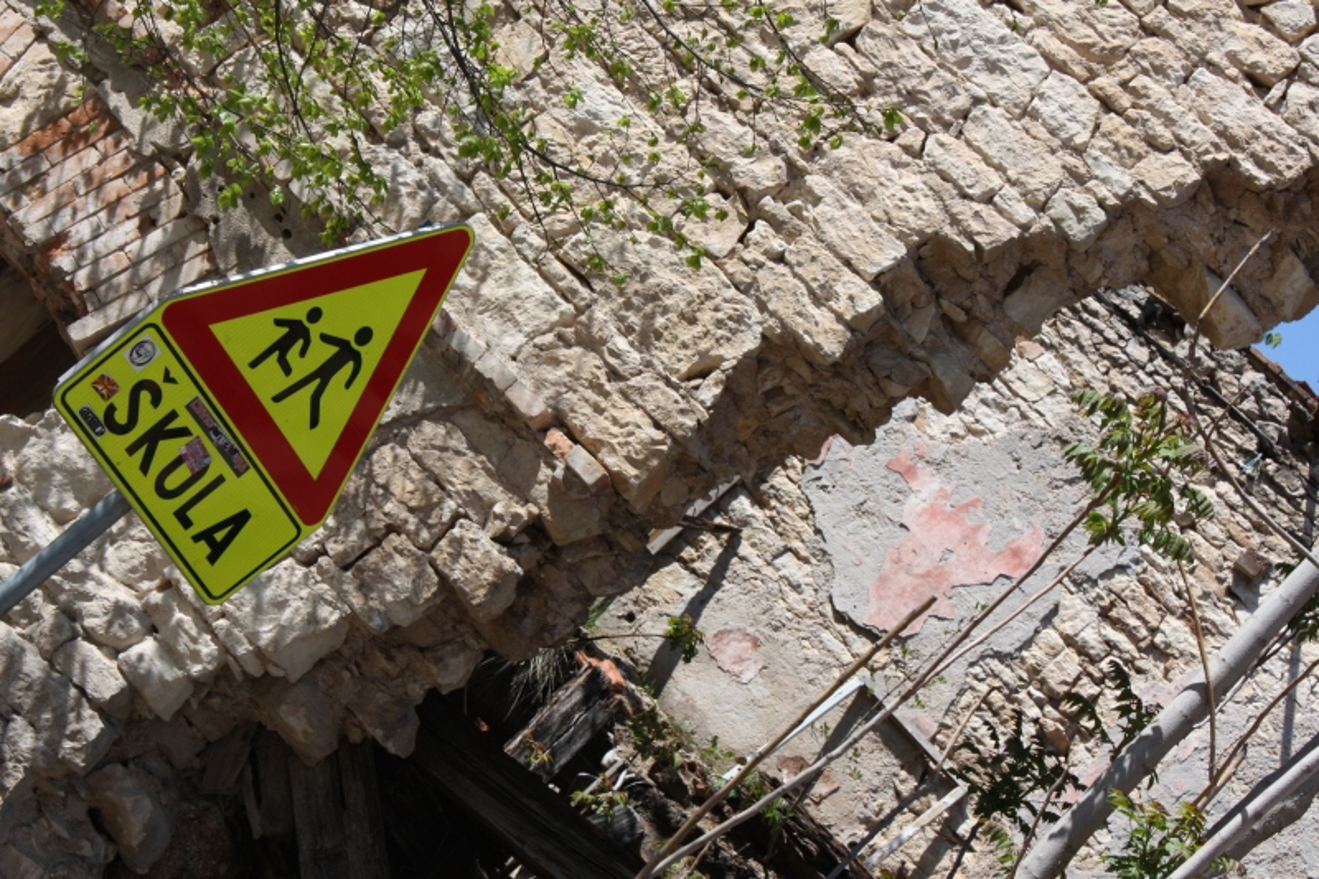 Mostar war damage