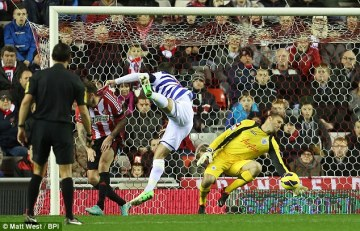Last-ditch | Green makes an exceptional save to keep the scores level in midweek. (Image | Daily Mail)