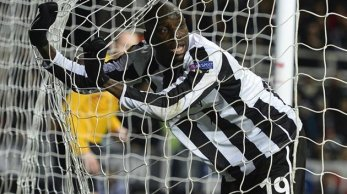 Misfiring | Demba Ba may be scoring goals, but Newcastle United are in wretched form. (Image | Yahoo Sport)