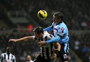 Masterclass | Captain Ryan Nelsen marshalled the dogged QPR defence excellently. (Image | Yahoo)