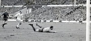Fightback | Rodney Marsh levels proceedings at Wembley in the 1967 League Cup Final. (Image | Daily Mail)