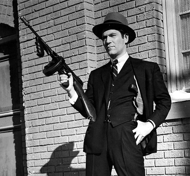 Lethal   actor with Tommy Gun   Image   The Sun Gangsters With Tommy Guns